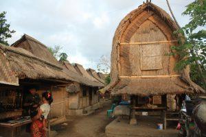 paket wisata lombok ke Desa Sade