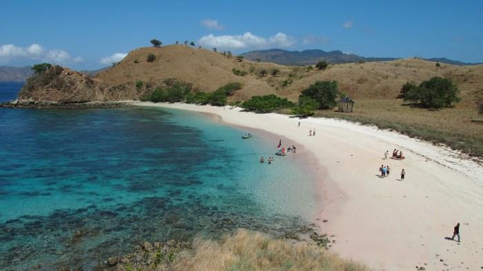 tour-lombok-ke-pantai-pink